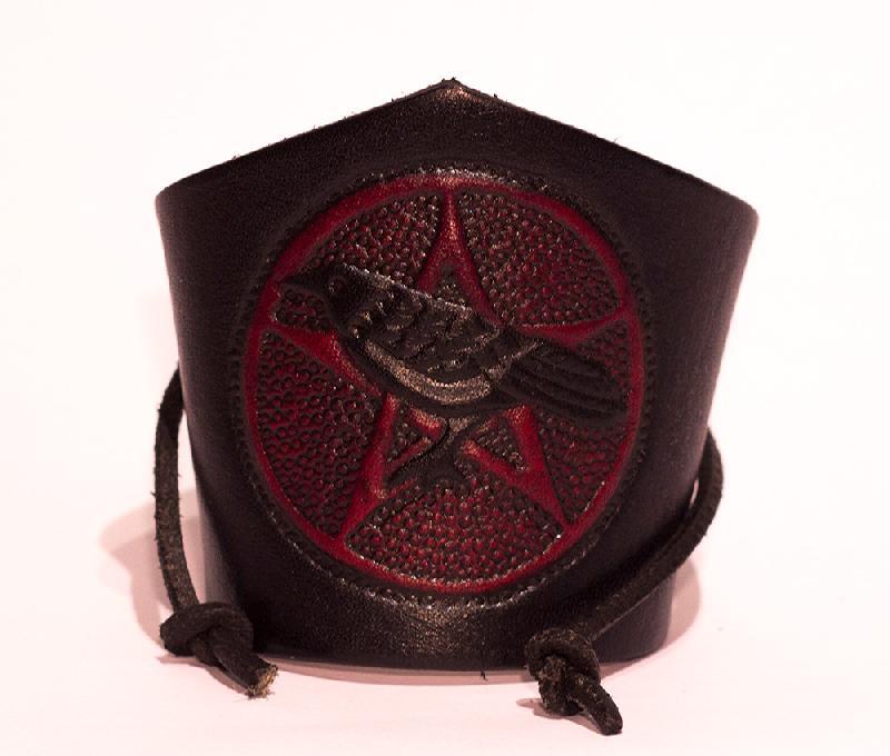 Lederwelten Rabe mit Pentagram Armband