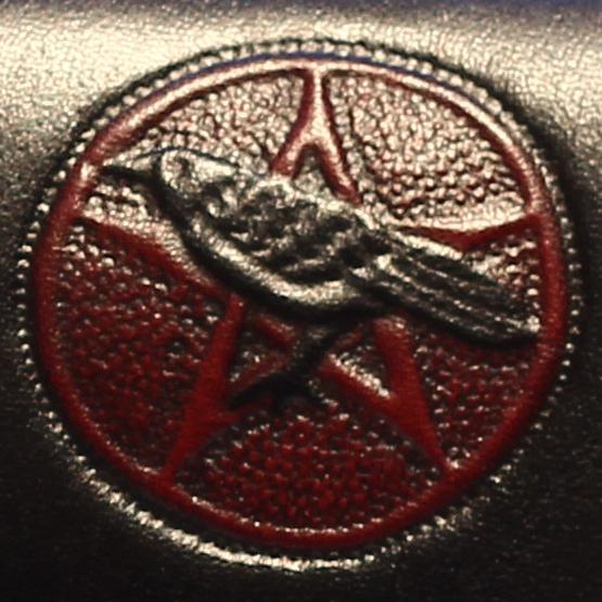 Lederwelten Rabe mit Pentagramm Muster Muster