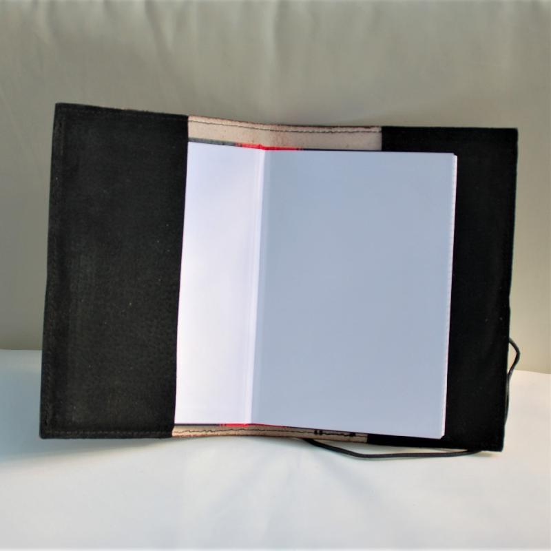 Lederwelten Triquetta Buch